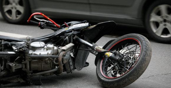 Kėdainiuose žuvo motociklininkas, dar dvi moterys – ligoninėje