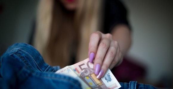 14-metė ieškojo meilės, o atsidūrė prostitucijos pinklėse