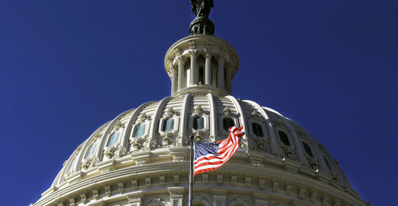 Teismas: Baltieji rūmai privalo paklusti šaukimams liudyti Kongrese