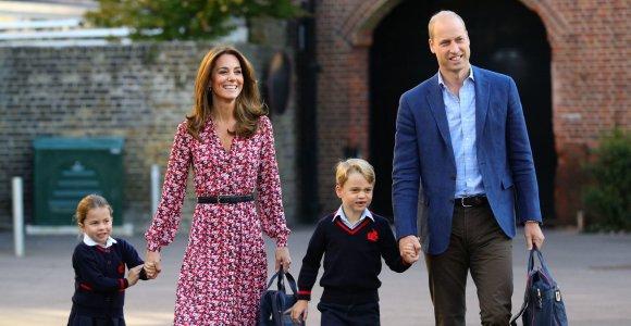 Kas prižiūri Kembridžo hercogų vaikus, jiems išvykus į užsienį?