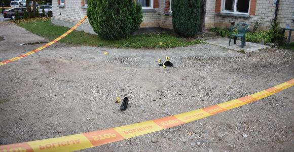 Lazdijuose per žiaurų gaujos išpuolį padegtas vyras ligoninėje mirė