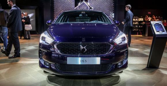 """Ženevos automobilų parodoje – atnaujintas """"Citroen"""" kompanijos kūrinys """"DS5"""""""