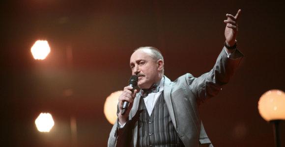 """""""Nerijos"""" vokalistas A.Čapas – apie audringą jaunystę: """"Gyvenau tai pas vieną moterį, tai pas kitą"""""""