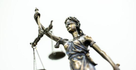 Prezidentas atleido neblaivią vairavusią Alytaus teisėją Vaidutę Stangvilienę