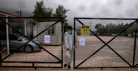 Graikijos migrantų stovykloje – pirmas mirties nuo koronaviruso atvejis