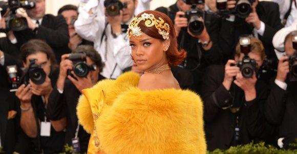 Rihanna – turtingiausia dainininkė pasaulyje: vis dėlto turtą sužėrė ne muzika