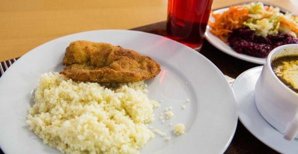 Seimas ėmėsi siūlymo dėl nemokamų pietų visiems priešmokyklinukams ir pirmokams
