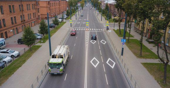 """Ministerija siūlo Kaunui atsisakyti klaidinančių """"rombų"""" gatvėse, o laikinoji sostinė nori diskusijos"""