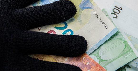 Sostinėje 6 prekybos centrus grasinęs susprogdinti vyras reikalavo 2 mln. eurų