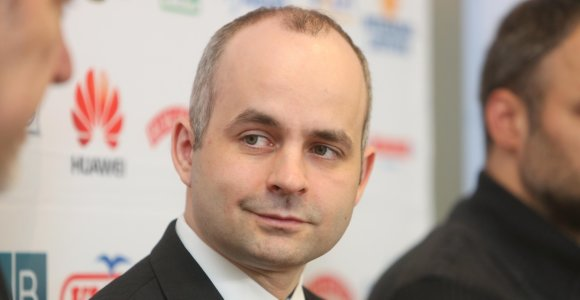 """Smūgis """"Payserai"""": Lietuvos banko nurodymu nušalintasvadovas"""