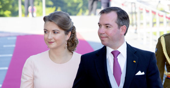 Gims dar vienas karališkas kūdikis: laukiasi Liuksemburgo sosto paveldėtojo žmona Stephanie