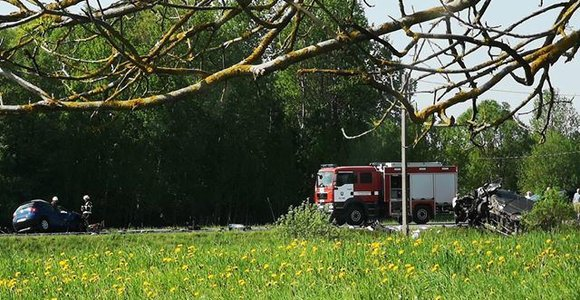 Kelmės rajone – kaktomuša, pasibaigusi mirtimi: žuvo jauna vairuotoja, dar trys žmonės sužeisti