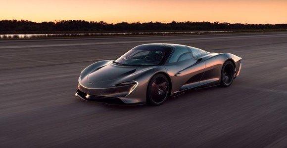 """""""McLaren Speedtail"""" ant erdvėlaivių tūpimo tako daugiau nei 30 kartų pasiekė 400 km/val. greitį"""
