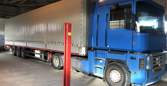 Slaptas 2 mln. eurų vertės krovinys – be maskuotės: Kybartuose sulaikytas vilkikas iš Rusijos