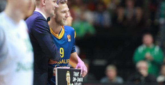 """Prieš rungtynes pagerbtas buvęs """"Žalgirietis"""" Siim Sander Vene"""