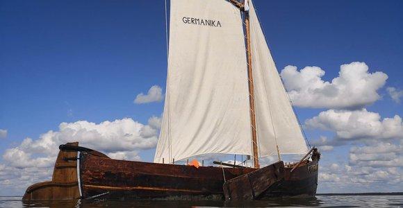 Jūros šventę papuoš senoviniai laivai