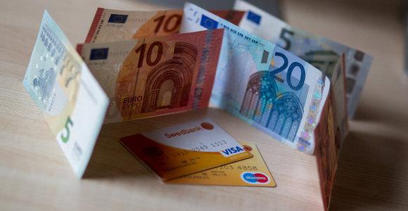 Joniškio rajono kavinėje vyras atsiskaitė suvenyriniais pinigais