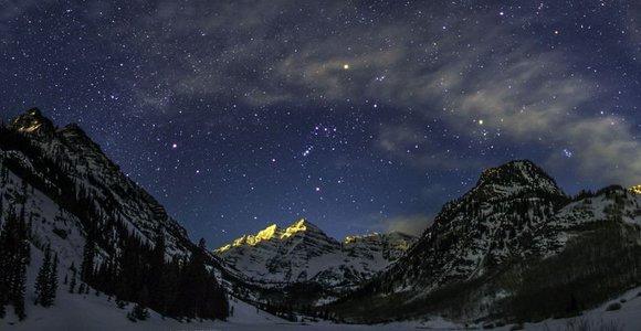 Keista žvaigždė atsiskyrėlė skuodžia iš mūsų galaktikos