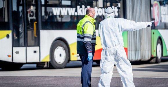 Vienu paskutiniųjų lėktuvų uždarius oro erdvę iš Minsko į Vilnių atvyko 87 keleiviai