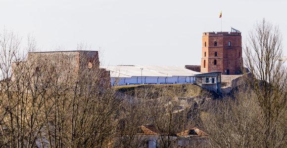 Ant Gedimino pilies kalno įkalintus žmones džentelmeniškai gelbėjo ugniagesiai ir policija