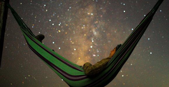 Pasaulis grožisi rugpjūčio Perseidų meteorų lietumi