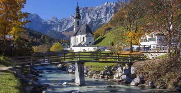 Kas sieja Lazdijų Motiejaus Gustaičio gimnaziją ir Bavariją?