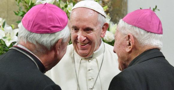 Prieš 5 metus – 15min klausimas popiežiui Pranciškui. Apie krepšinį