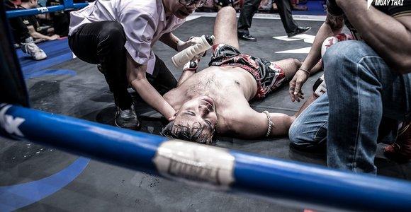 Sigito Gaižausko pergalė nokautu Tailando ringe