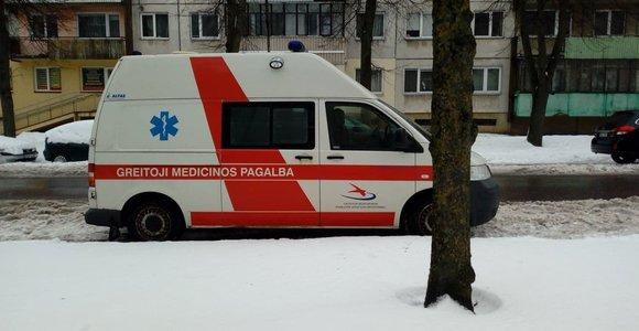 Kuršėnų ligoninės greitosios pagalbos automobilis į teismą ligoninės atstovus vežė liudyti