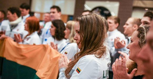 Tautišką giesmę Pjongčange Lietuvos atletai traukė kartu su užsieniečiais