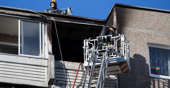 Draudikai ramina: nors dūmų detektoriai privalomi, nuostolius atlygins ir jų neturintiems