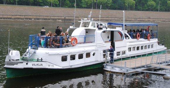 Maršrutu Kaunas-Vilkija plaukiantis laivas pasiruošė pirmajam reisui