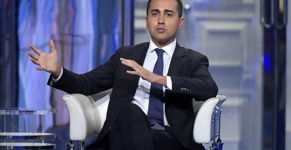 Italijos M5S vadovas L.Di Maiopasitraukė iš partijos lyderio posto