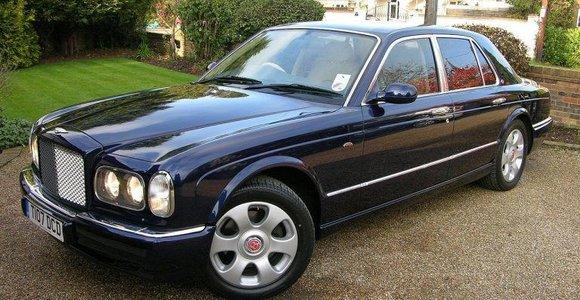 """Įdomus faktas apie senuosius """"Bentley"""" automobilius – kodėl jie beveik neturi slenksčių?"""