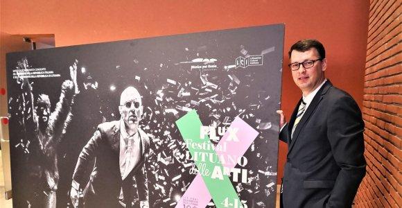 """""""Flux"""": šimto žymiausių Lietuvos menininkų žygis į Romą prasideda"""