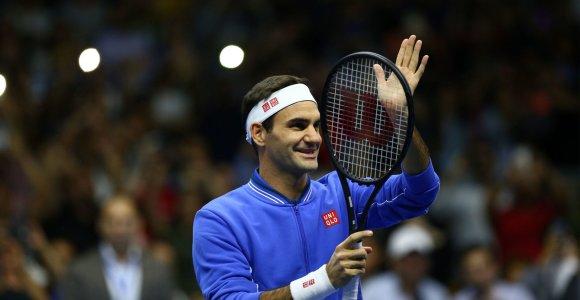 Jautri Diego Maradonos žinutė pravirkdė Rogerį Federerį