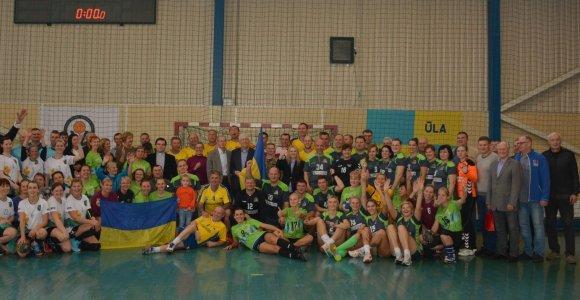 Varėnoje Ukrainos ambasadoriaus taurę iškovojo rankinio veteranai iš Ukrainos