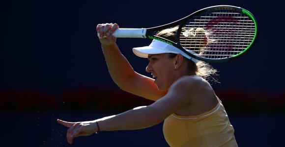 """Visai kitoks veidas – Simona Halep """"Rogers Cup"""" turnyre sutriuškino tituluotą varžovę"""