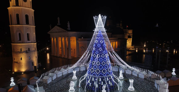 Išrinko gražiausias Europos eglutes: pirmoje vietoje – Vilniaus šachmatų karalienė