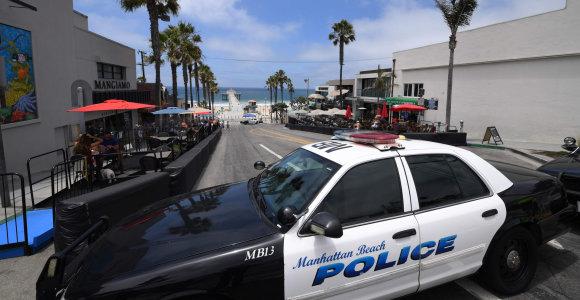 Kalifornijoje per šaudymo incidentą nukentėjo du pareigūnai, įtariamasis negyvas