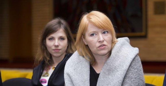 """Yana Ross prieš """"Trijų seserų"""" premjerą: """"Pagrindinis variklis kurti Lietuvoje – ryšys su aktoriais"""""""