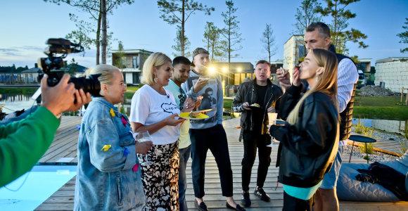 Kunigiškių atostogų namuose įsikūrę naujakuriai kartu su įžymybėmis šėlo piknike
