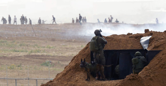 Per protestus Gazos Ruože nuo Izraelio ugnies žuvo palestinietis