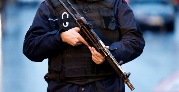 Stambule įtariamas IS narys nudūrė policininką