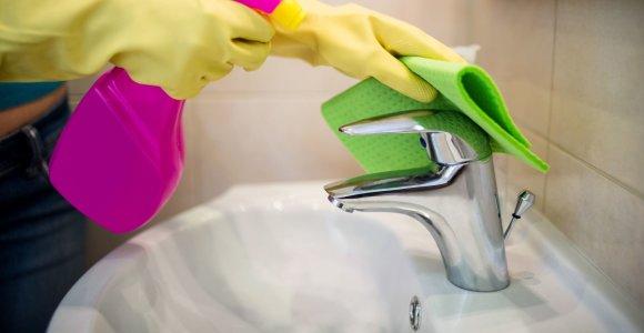 Atnaujintos rekomendacijos, kaip prižiūrėti paviršius, valyti ir dezinfekuoti patalpas