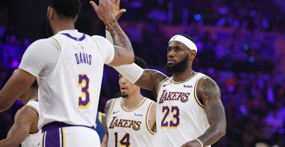 """""""Lakers"""" žvaigždynas parodė jėgą: iš """"Warriors"""" paliko šlapią vietą"""