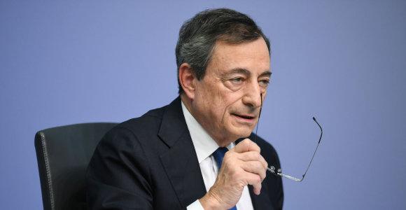 """M.Draghi: """"Užsitęsęs neapibrėžtumas"""" slegia euro zonos ekonomiką"""