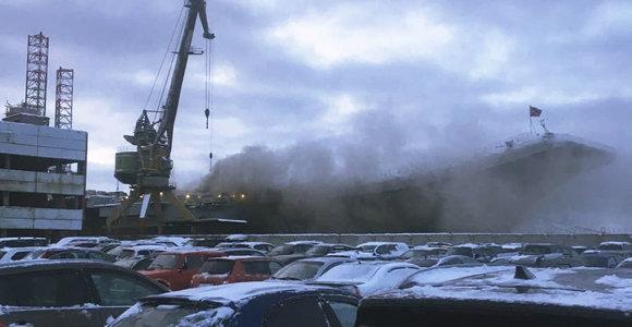 """Nepaisant gaisro, Rusijos lėktuvnešis """"Admirolas Kuznecovas"""" bus remontuojamas"""