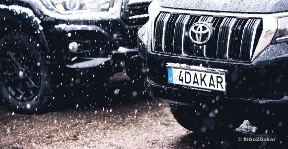Lietuvių Dakaro technika jau pakeliui į Saudo Arabiją: vienas automobilis pažymėtas 15min logotipu