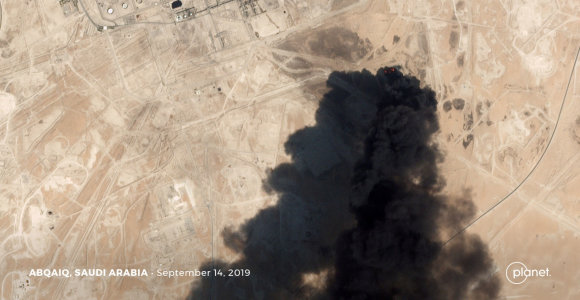 Atakos Saudo Arabijoje purto ir taip itin nestabilų regioną, bet karo nenori niekas
